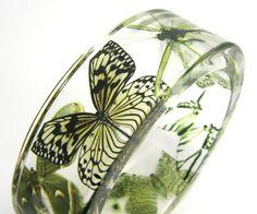 Green Bracelet Forest Green Butterflies in a Resin door sisicata  Of neem ik deze?