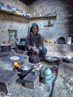 Preparing breakfast . Ladakh, Kashmir