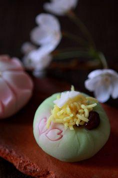 Spring Sakura Wagashi Cake|佳月堂のさくら和菓子