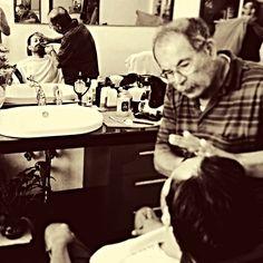 Lo Zio Nino, barbiere da 50 anni, siciliano, mi ha detto che il carattere dice al mondo che sei un vero uomo, e la barba è il punto esclamativo! #ruiroma #style #barba #barber #barbiere #schorem #beard #OldStyle #class #man #cool #kult #Sicilia #sud #Italyֹ蔮薌ᙂ