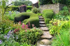 The Galloping Gardener: Hidcote Manor Garden - Paradise Lost and Found in the Cotswolds