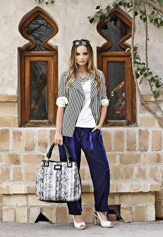 Angela Snakeskin White Effect  #fashion #ootd #outfit #outfitinspo #outfitinspiration #style #trending #streetstyle #ootw #fblogger #tagsforlikes #dubai #dubaistreetstyle #dubaifashionblogger #lookbook #handbags