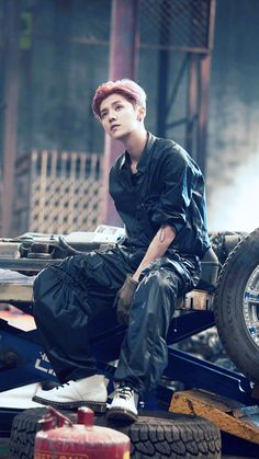 "鹿晗 Luhan ""On Fire"" MV publicity photo"