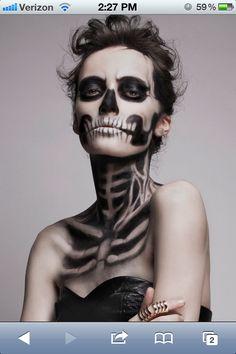 maquillaje halloween, halloween make up Amazing Halloween Makeup, Looks Halloween, Halloween 2018, Costume Halloween, Halloween Face Makeup, Halloween Party, Scary Halloween, Awesome Makeup, Halloween Clothes