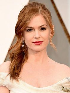 Oscars Extravagant hairstyles on the red carpet! Isla Fisher Oscars Extravagant hairstyles on the red carpet! Isla Fisher, Gel French Manicure, French Manicures, Types Of Manicures, Allure Beauty, Beauty Hacks, Beauty Tips, Beauty Products, Red Hair