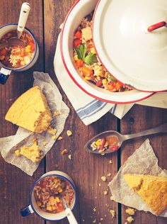 FOOD: Chili & Corn Bread by Leslie Grow, via Behance
