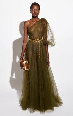 Fashion Models, High Fashion, Fashion Show, Fashion Outfits, Fashion Design, Valentino, Tulle Gown, Classy Dress, Dream Dress