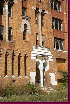 Apartment building of Highland Park, Detroit.