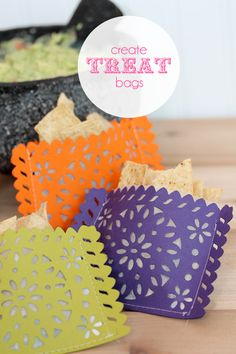 Lifestyle Crafts Doily Banner Die: Create Treat Bags