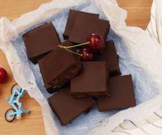 Zöldfűszeres-krémsajtos rántott csirkemell Recept képpel - Mindmegette.hu - Receptek Cupcake, Sweets, Candy, Make It Yourself, Chocolate, Baking, Eat, Recipes, Food
