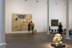 Antoni Tàpies. Col·lecció, # 3. 28 d'abril - 10 de juny de 2012 Fotografia: Lluís Bover. © Fundació Antoni Tàpies. Publicat amb la llicència CC BY-NC-SA Exhibition Room, Abstract Art, Scale, Creativity, Paintings, Interiors, Home Decor, Art Studios, Exhibitions