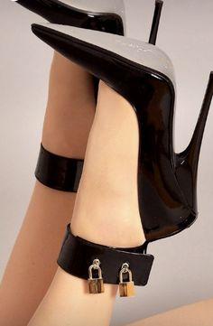 I'm so ready for you master - Hig Heels Thigh High Heels, Very High Heels, Hot High Heels, High Heels Stilettos, High Heel Boots, Womens High Heels, Pantyhose Heels, Stockings Heels, Black Stiletto Heels