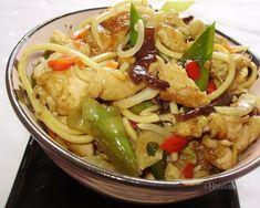 Jednoduchá veľmi rýchla večera pre milovníkov ázijských bistier :) Vietnam, China Food, Cabbage, Salads, Food And Drink, Meat, Chicken, Vegetables, Cooking