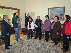 e-Pontos.gr: Έψαλαν τα Ποντιακά κάλαντα στις αρχές της πόλης τη...