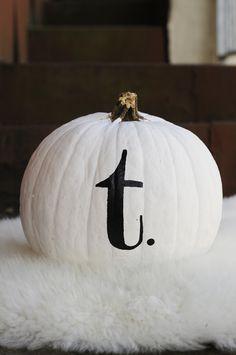 #monogrammed #pumpkin #design