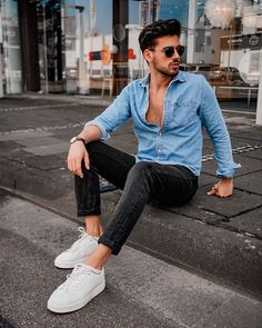 Outfits Casual, Stylish Mens Outfits, Mode Outfits, Men Casual, Look Casual, Classy Outfits, Best Poses For Men, Mens Photoshoot Poses, Teen Boy Fashion