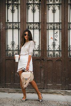 AROUND MADRID - Lovely Pepa by Alexandra. Beige light sweater+white tassel skirt+animal print ballerinas+camel fringed handbag+sunglasses+gold necklace. Spring Casual Outfit 2017