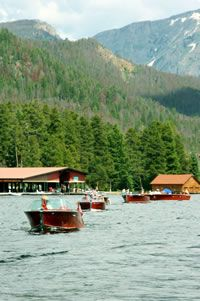 Antique Boat Show . . . www.stayingrandlake.com