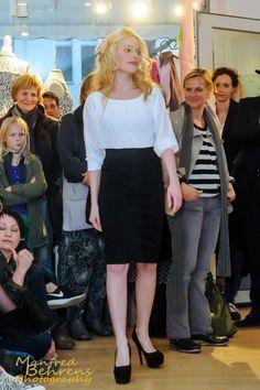Alexa im Kleid von Freequent