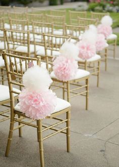 From bouquets to wedding ceremony, centerpieces to cakes, get tons of inspiration for a pink wedding. These unique pink wedding ideas just screams romance.