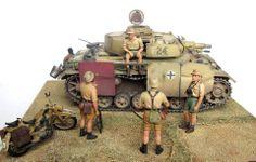 Castello di Cisterna, Italia, 1943. Pz.Kpfw.III Ausf N, Panzer-Abteilung 280 (Dragon, 1/35) Figuras, Fallschirmjäger-Regiment 3 (MiniArt, 1/35) Motocicleta DKW NZ 350 (Tamiya, 1/35)