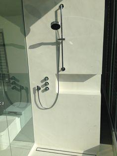 betonboden b ton cir original in einem kleinen bad farbe. Black Bedroom Furniture Sets. Home Design Ideas