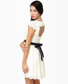 Propuesta vestido de novia corto. Cambiale el lazo por uno blanco y listo!