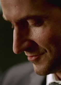 Richard Armitage once said he wanted to get a nose job and I am SO glad he didn't!!!! I love his nose!!!