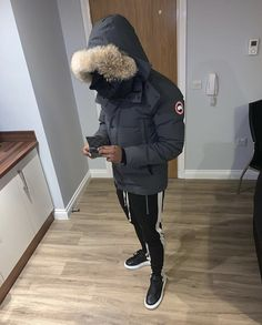 Hip Hop Playlist, Sneakers Outfit Men, Black Porsche, Attractive Guys, Fine Boys, Nike Tech, Back To School Outfits, Mens Fashion, Fashion Outfits