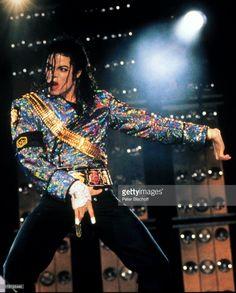 Michael Jackson, Auftritt, Mega-Pop-Star, Konzert, Mikrophon, Sänger, Promis, Prominenter, Prominente,
