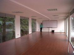 interior-aula-Universidad-con-contenedores-ISO40