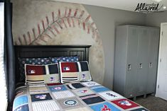 How to Paint a Baseball Mural for Your Kid's Bedroom
