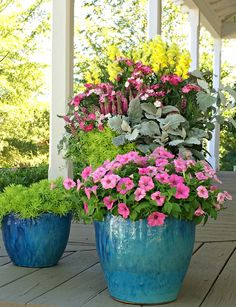 Celebrate Spring with Southern Living Magazine This includes a step-by-step tutorial on how to create this beautiful container garden...drop by and get the DIY!