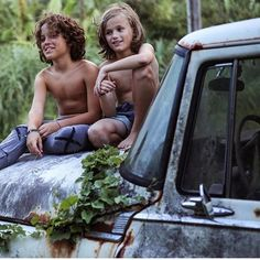 Dick and Kon, Family night in Hawaii, by Clark Cute Boys, Cute Babies, Earth Baby, Beauty Of Boys, Sweet Child O' Mine, Kids Photography Boys, Bohemian Baby, Boys Long Hairstyles, Boys Swimwear