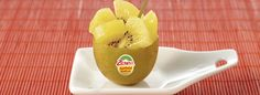 El kiwi puede curar el resfriado.  El kiwi dorado, y en concreto el kiwi Zespri Sungold contiene aminoácidos esenciales, ácido linolénico, ácido fólico, vitamina A, B6, B12, C, E y minerales como el cobre, hierro y selenio. Todos estos micronutrientes son esenciales para luchar contra las infecciones virales.