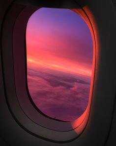 Herbert Hofmann Herbert Hofmann via - Modern Fly Around The World, Around The Worlds, Airplane Window View, Witch Photos, Overseas Travel, Pretty Sky, Above The Clouds, Sky Aesthetic, Science And Nature