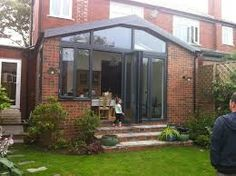 VC Design thinks this a solution for asymmetrical extension with some window Kitchen Extension Open Plan, Brick Extension, Conservatory Extension, Single Storey Extension, Glass Extension, House Extension Design, Extension Ideas, Conservatory Ideas, Bungalow Extensions