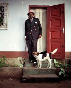 Grey Fox: The Sapeurs - style in Congo by Héctor Mediavilla, photographer
