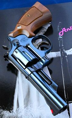 Smith And Wesson Revolvers, Smith N Wesson, Weapons Guns, Guns And Ammo, Rifles, Colt Python, Hand Cannon, Medieval Weapons, Home Protection