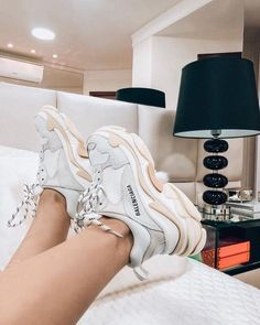 10 designer sneakers that make me want a sugar daddy? - 10 designer sneakers that make me want a sugar daddy 😂 - Sneakers Balenciaga, Chanel Sneakers, Balenciaga White Trainers, Chanel Shoes, Me Too Shoes, Women's Shoes, Shoes Sport, Sneakers Fashion, Fashion Shoes