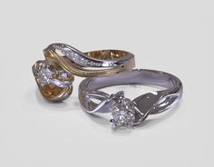 Ethically produced #engagementrings - lab created diamonds with recycled gold. Check the collections from #DeVindt manufacturer. #diamonds #ecofriendly