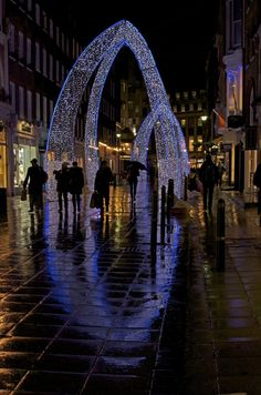 #London Christmas lights - Beautiful and  unique arches.
