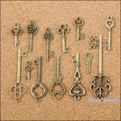 Groothandel 39 stks Vintage Charms Gemengde Sleutels Hanger Antieke bronzen Fit Armbanden Ketting DIY Metalen Sieraden Maken 10011