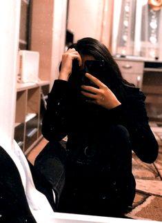 Badass to the bone 💪 . Cute Girl Face, Cute Girl Photo, Beautiful Girl Photo, Girl Photo Poses, Cool Girl Pictures, Cute Couple Pictures, Girl Photos, Teenage Girl Photography, Girl Photography Poses