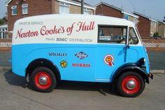 Morris J Type Vintage Vans, Vintage Trucks, Classic Trucks, Classic Cars, Step Van, Van Car, Day Van, Mini Bus, Panel Truck
