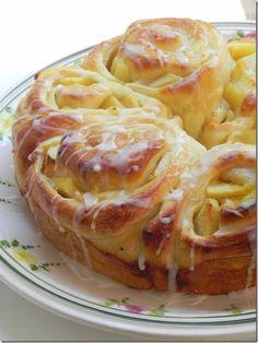 apple bread ring from @Lisa Mahaffey