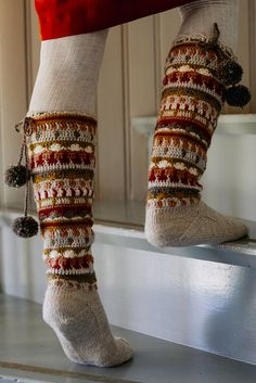 Syysunelma crochet and knitted socks with Novita Nordic Wool and Novita Nalle #knitting #knit #knittedsocks #novitaknits #crochet #villasukat #raggsockor