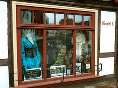 Vestimentum Gewanddesign - exklusive Maßanfertigung - Atelier Workshop, Windows, Design, Atelier, Ground Floor, Design Comics, Window