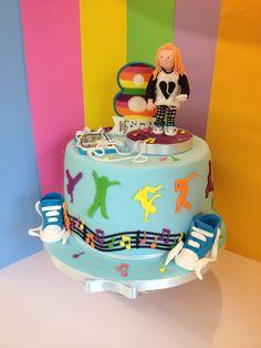 Street dance cake- www.queenscakes.co.uk
