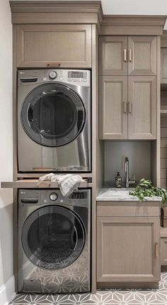 60 Brilliant Laundry Room Designs For Small Space That make You Amazed > Fieltro.Net room design small brilliant laundry room designs for small space that make you amazed 48 > Fieltro. Modern Laundry Rooms, Laundry Room Layouts, Laundry Room Remodel, Laundry Closet, Laundry Room Organization, Laundry Room Design, Laundry In Bathroom, Storage In Laundry Room, Laundry Nook